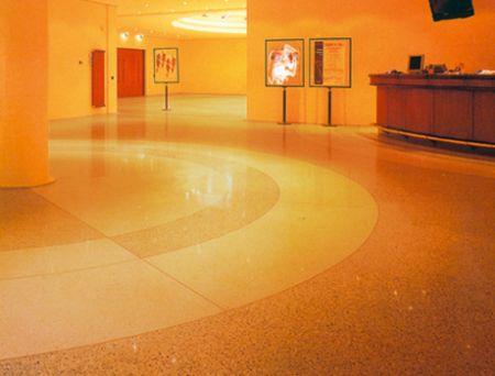 Terrazzo polido: mármore cimento